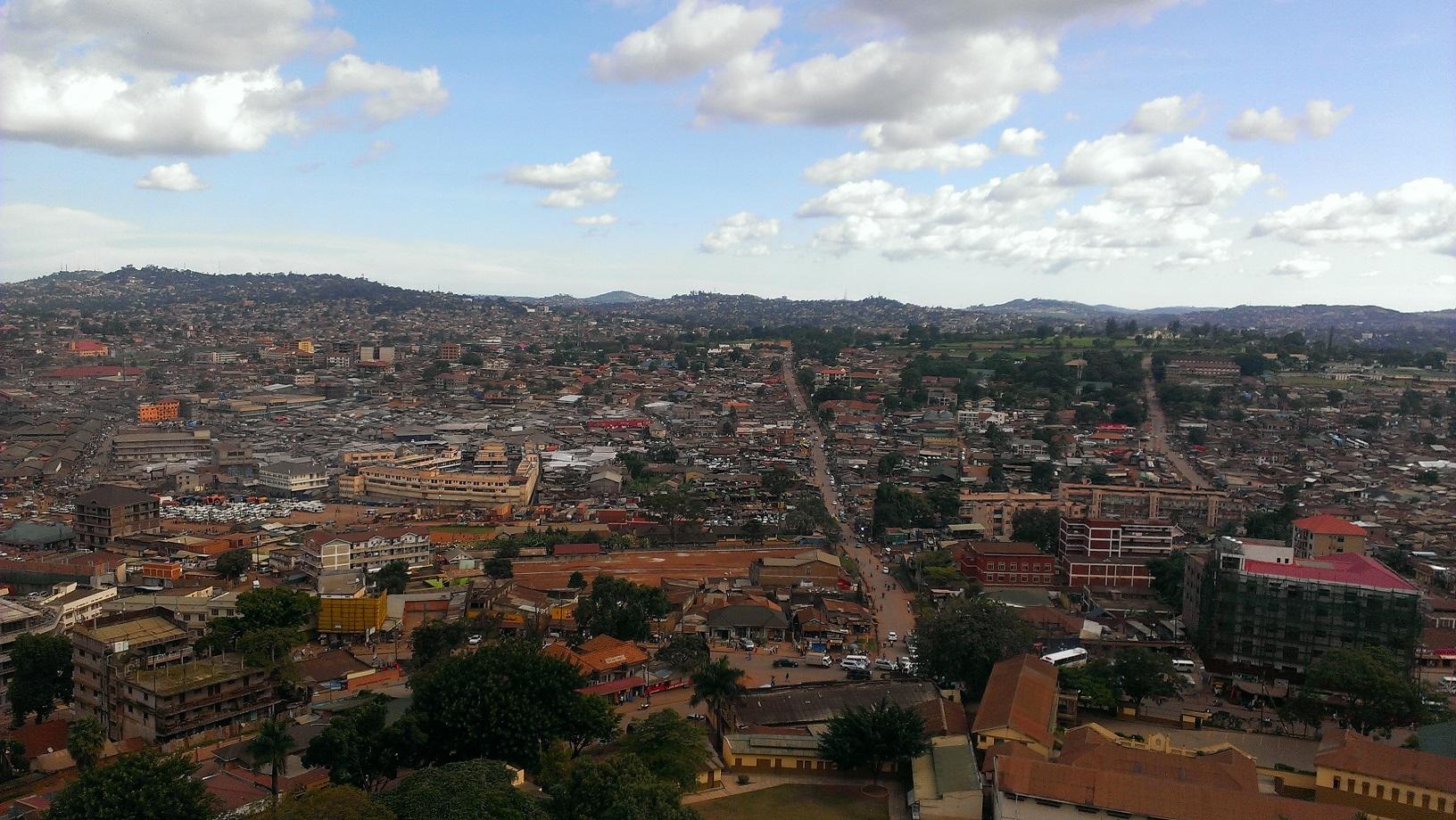 Blick auf Kampala aus dem Minarett der sehenswerten Gaddafi-Moschee