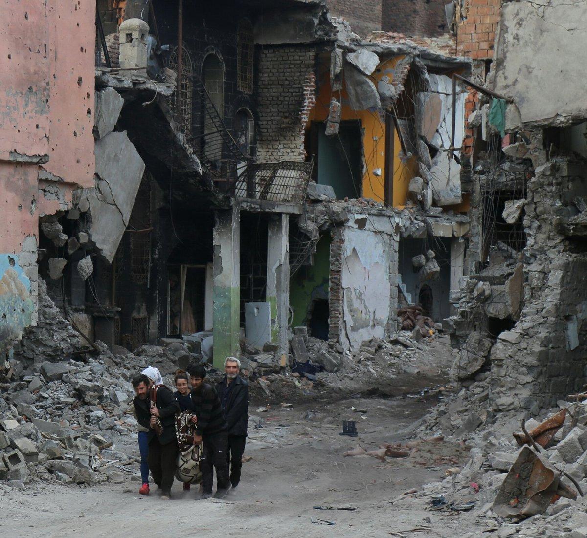 Bilder aus Sur. Derzeit gibt es einen Fluchtkorridor aus dem die Menschen fliehen können